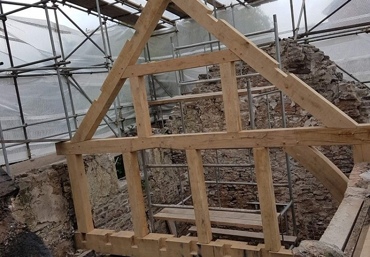 Oak Framed Roof Truss with Wall Frame